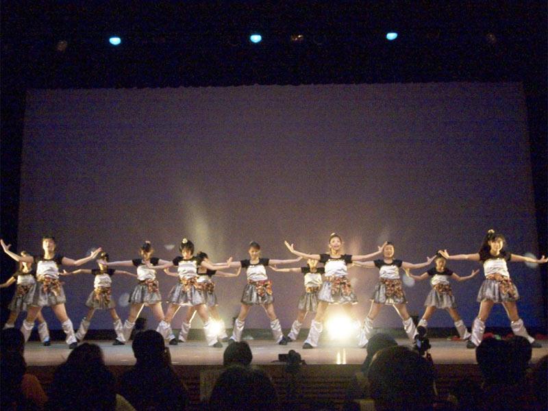 2010年3月7日、第6回ウェルCOMEよっしゃ来い!に、「SAKADO WINDS」「かわさき向魂」「スーパー舞音」が参加しました。